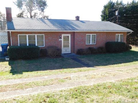 Photo of 909 Powell Ave Sw, Valdese, NC 28690