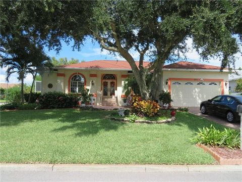 Photo of 675 4th St W, Tierra Verde, FL 33715