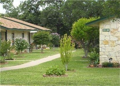 Photo of 205 Riverview Dr, Lampasas, TX 76550