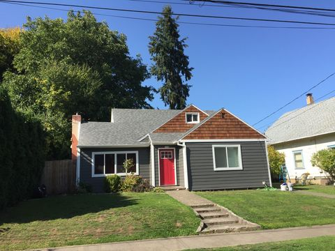 Photo of 1920 C St, Forest Grove, OR 97116