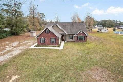 Photo of 68084 Reed Rd, Pearl River, LA 70452