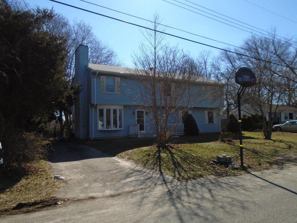 233 Keller St, Bayville, NJ 08721