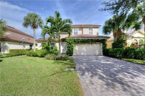 10272 Cobble Hill Rd, Bonita Springs, FL 34135