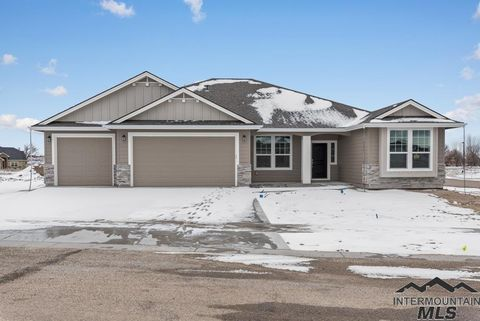 Photo of 1334 Bison Ct, Middleton, ID 83644