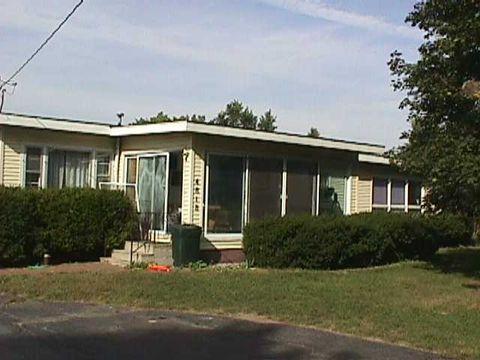 4818 Michigan Ave E, Jackson, MI 49201