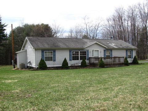 64 Bobro Ln, Brookville, PA 15825