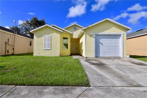5404 Wood Crossing St, Orlando, FL 32811
