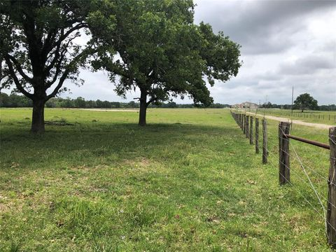 Photo of 2193 County Road 215, Weimar, TX 78962
