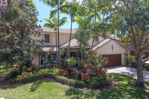902 Mill Creek Dr, Palm Beach Gardens, FL 33410. House For Sale