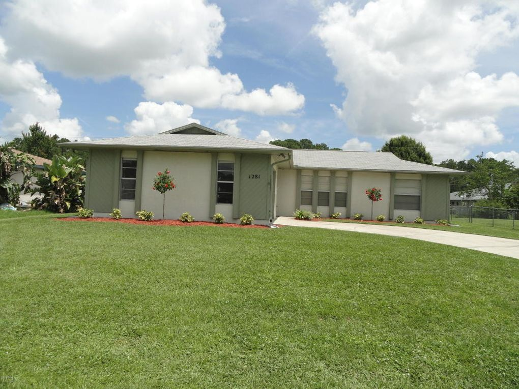 1281 NW Heberling St Palm Bay, FL 32907