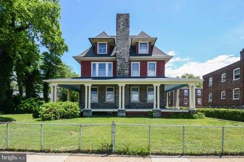 7345 Oxford Ave, Philadelphia, PA 19111