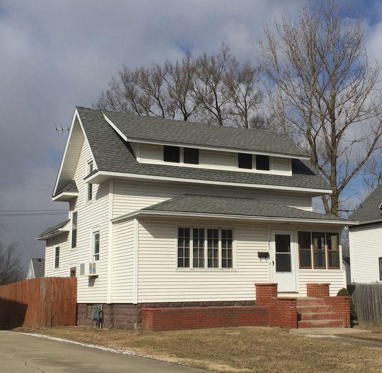 263 S Hickory St, Manteno, IL 60950