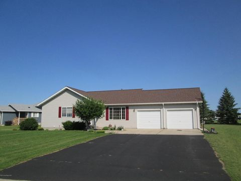 750 6th Dr Nw, Perham, MN 56573