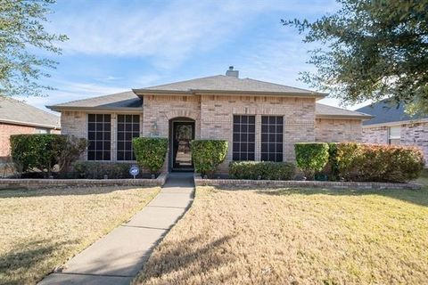 Photo of 1316 Illinois Ave, Lancaster, TX 75134