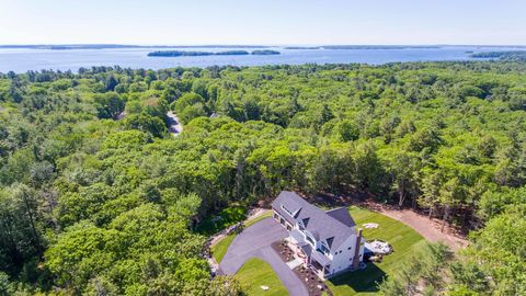 Photo of 37 Arborside Dr, Falmouth, ME 04105