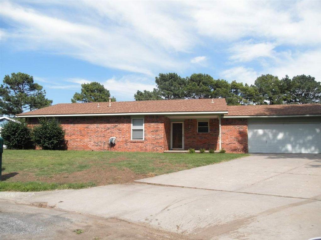 310 Lora Ave Ponca City, OK 74601