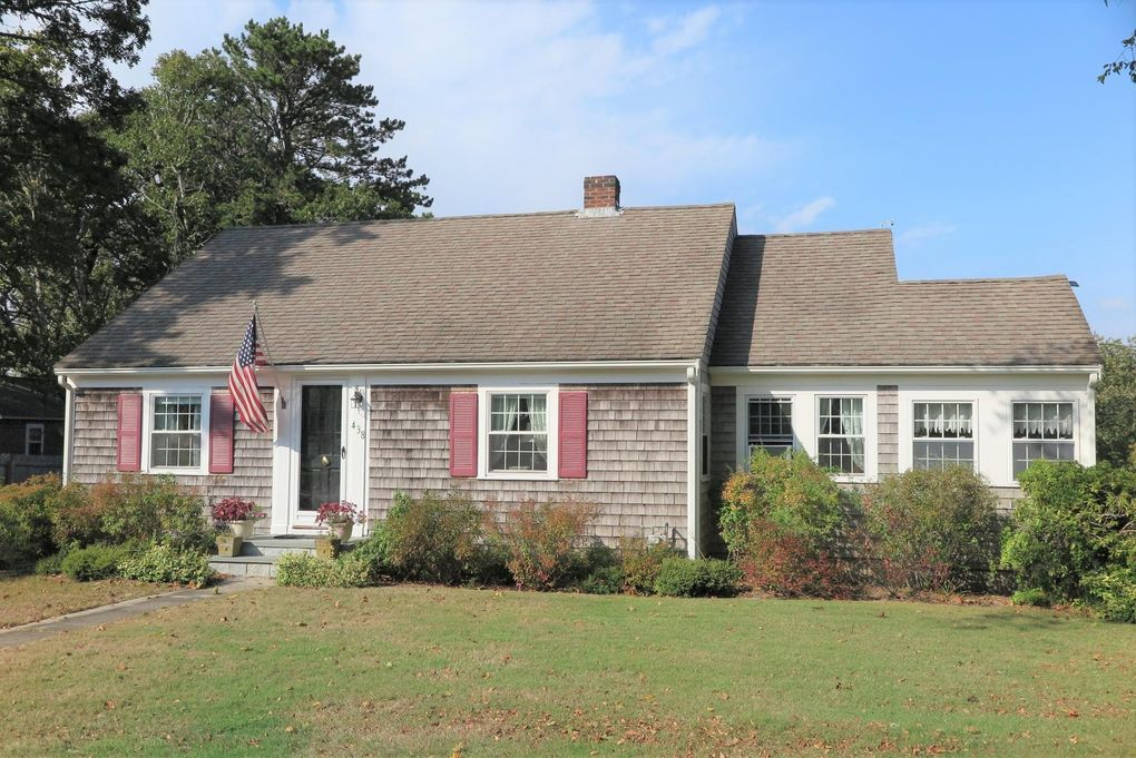 438 Lower County Rd Dennis Port, MA 02639