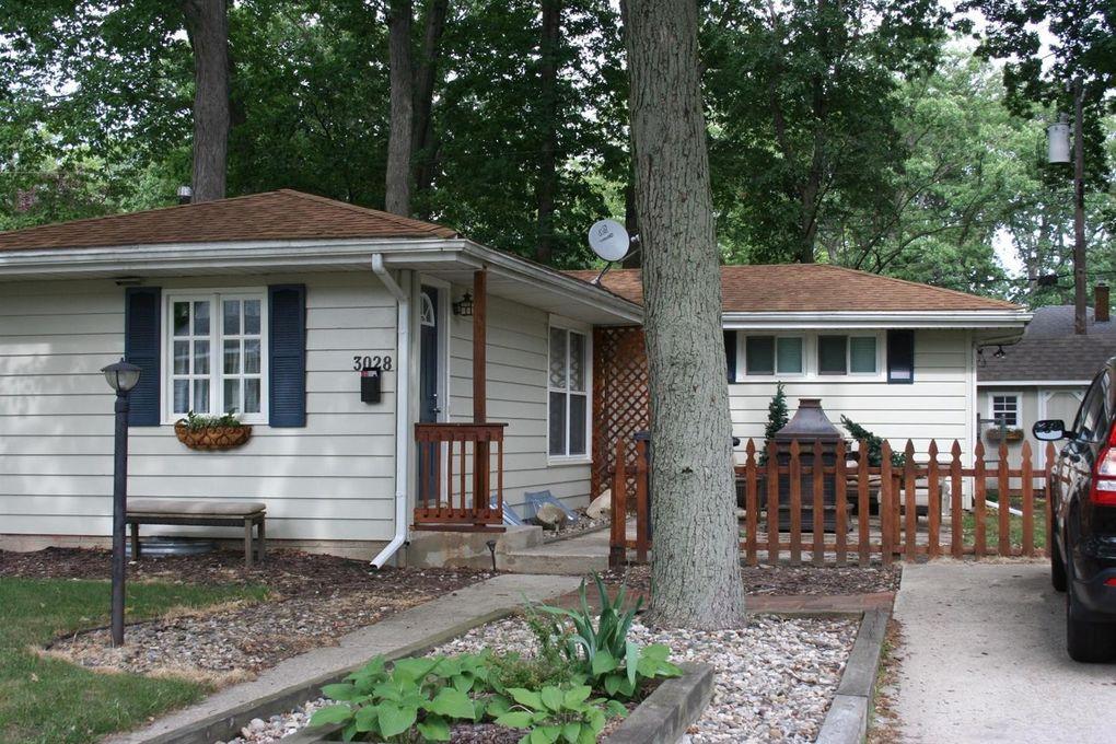 3028 Oakwood Ave, Michigan City, IN 46360 - realtor.com®