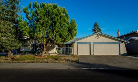 1625 Grenoble Dr, Woodland, CA 95695