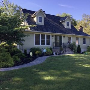 340 indian trail dr franklin lakes nj 07417 for 300 lake terrace