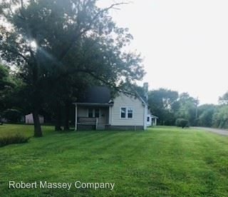 Photo of 211 Plaza Ave, Louisville, KY 40218