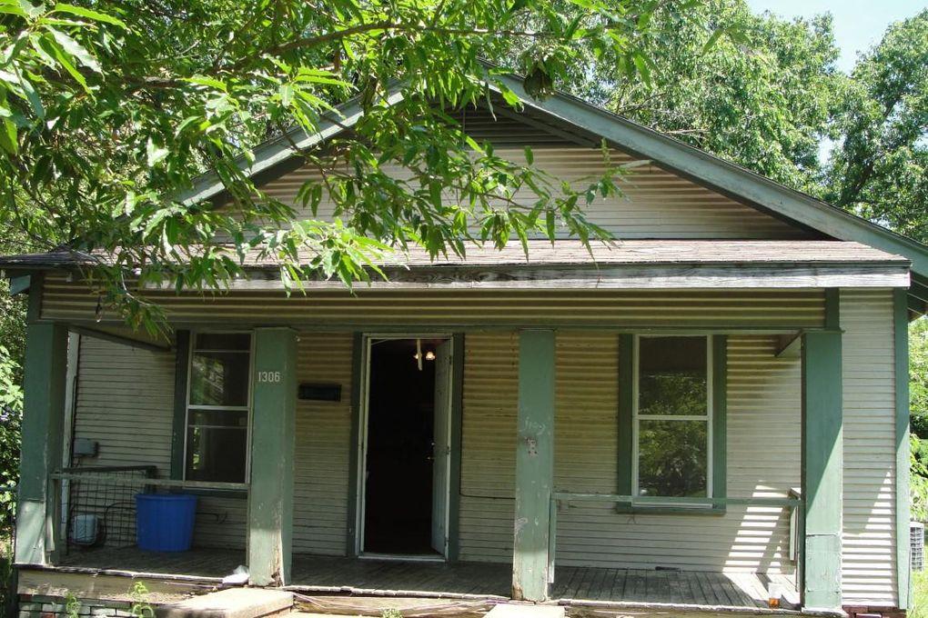 1306 Reynolds St Clarksville, AR 72830