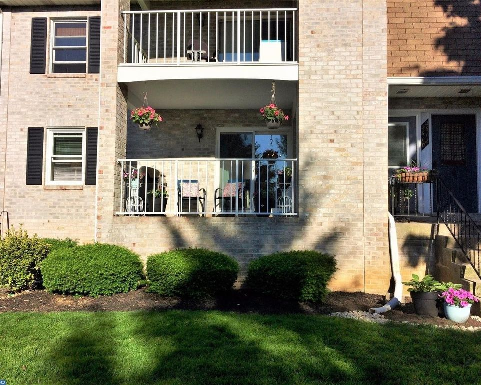 2610 Rolling Green Dr Macungie, PA 18062