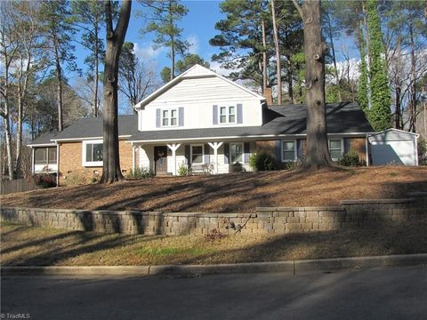 Photo of 1326 Bloomingdale Dr, Cary, NC 27511