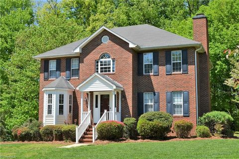 Photo of 5125 Toucan Ln, Kernersville, NC 27284