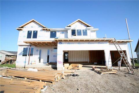 Photo of 1404 Prairie Vista Ct, Norwalk, IA 50211