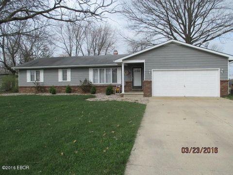 6 Heritage, Irvington, IL 62848