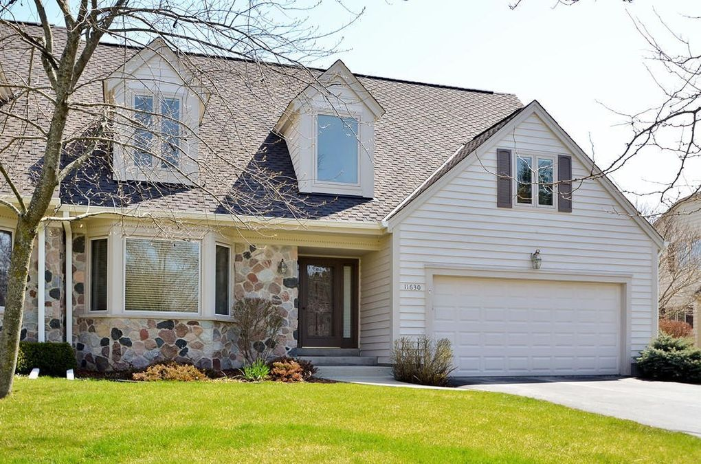 11630 N Eastbrook Dr, Mequon, WI 53092