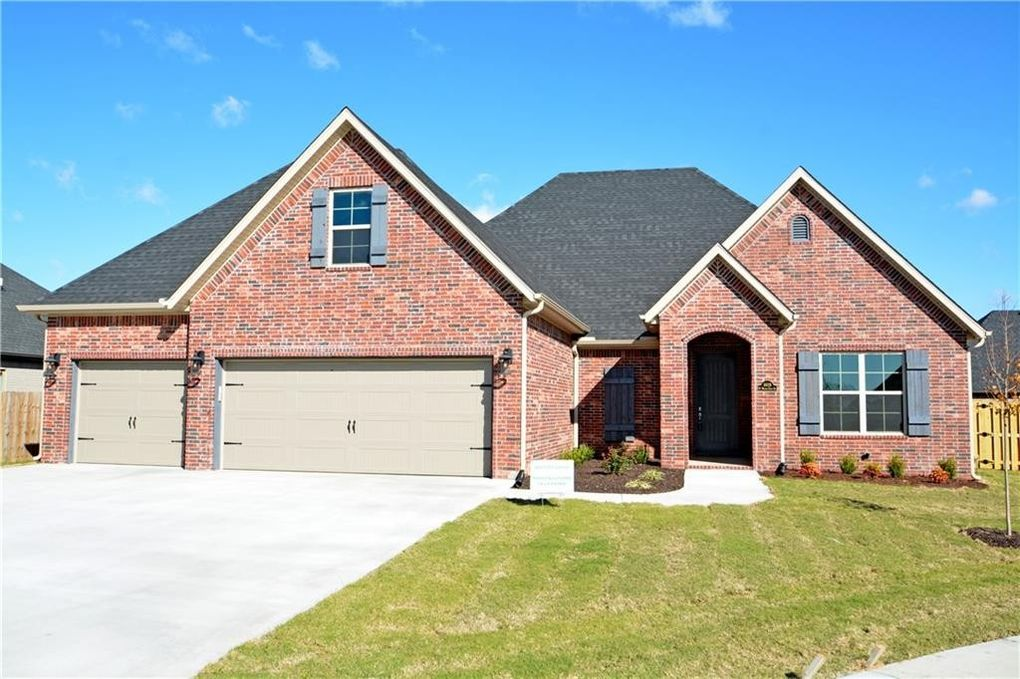 4609 W Waters Edge Dr, Rogers, AR 72758