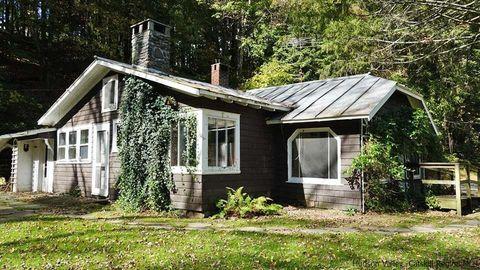 28 Rose Ln, Woodstock, NY 12498