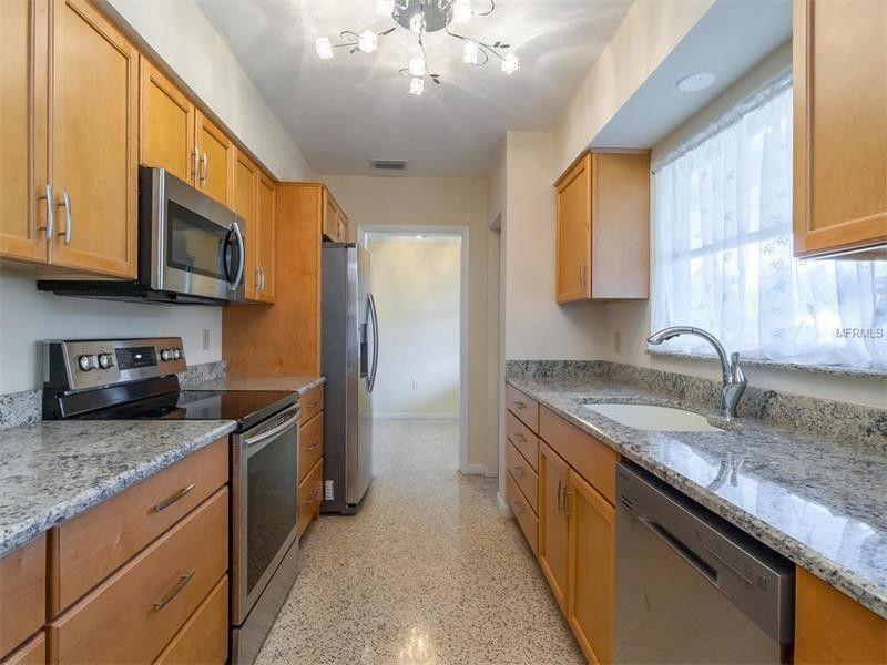 2550 Grove St, Sarasota, FL 34239