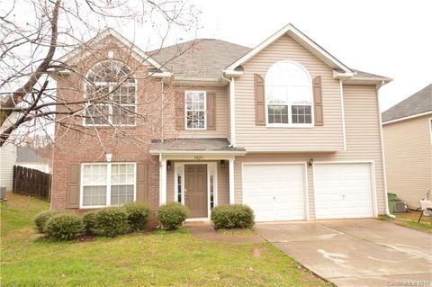 Photo of 5027 Wicklow Dr, Gastonia, NC 28054