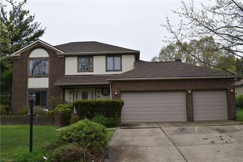 Photo Of 14504 Pine Lakes Dr, Strongsville, OH 44136. House For Sale