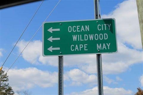 18 Cape May Ave, Weymouth, NJ 08319