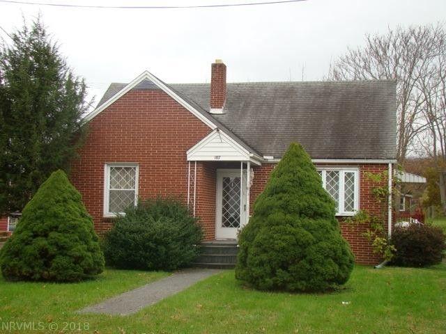 107 Roberta St, Narrows, VA 24124