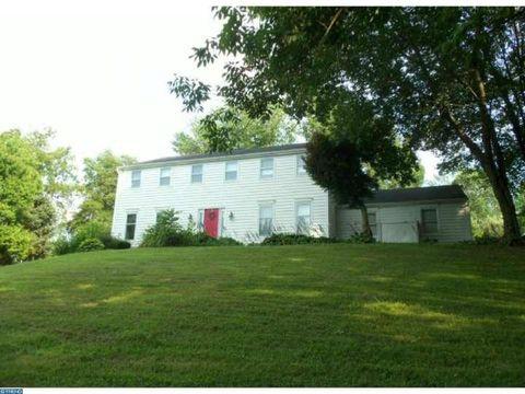 1536 Powell Rd, Unionville, PA 19320