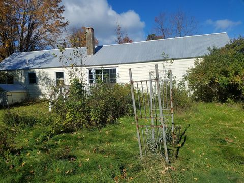 Photo of 138 Main St, Brownfield, ME 04010