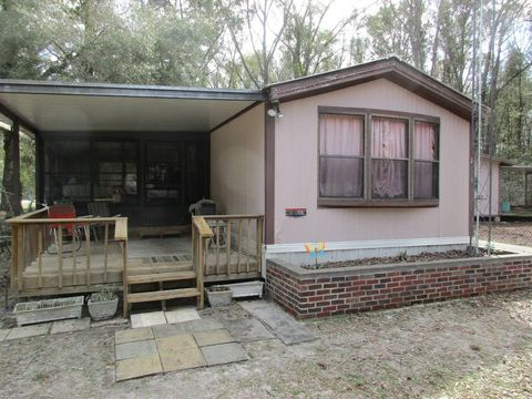 Photo of 402 Ne 341st Ave, Old Town, FL 32680