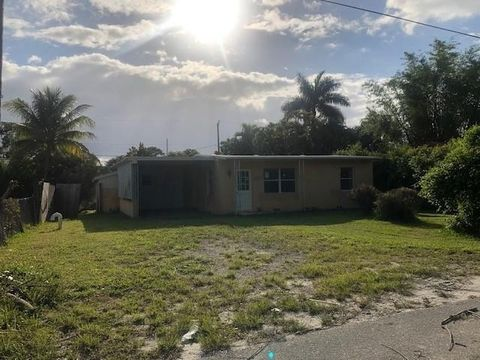 Photo of 3032 Ford Rd, Palm Springs, FL 33461