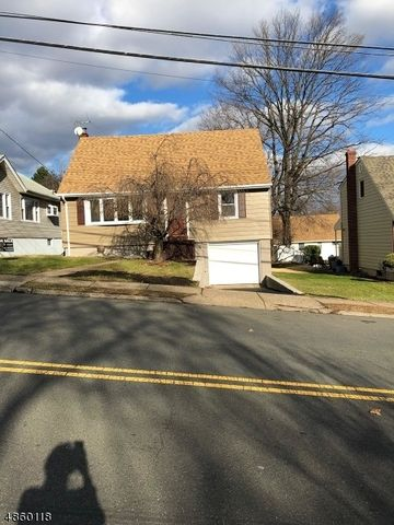 Photo of 469 Franklin Ave, Hasbrouck Heights, NJ 07604