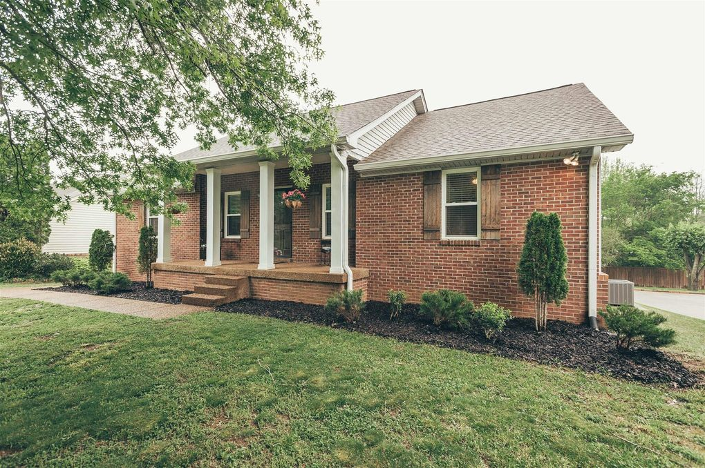 1152 Hunters Chase Dr  Franklin  TN 37064. 1152 Hunters Chase Dr  Franklin  TN 37064   realtor com