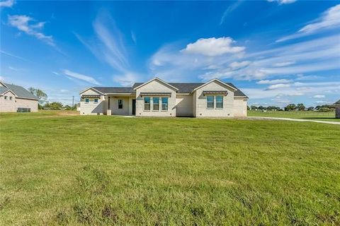 Photo of 105 Consolation Dr, Millsap, TX 76066