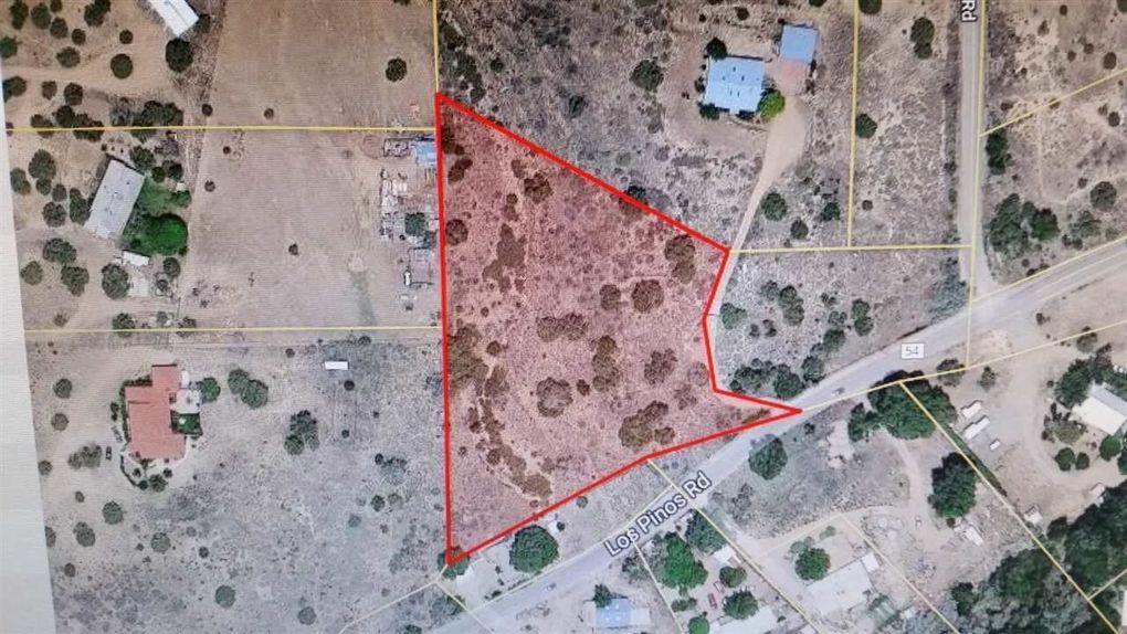 193 Los Pinos Rd Santa Fe, NM 87507