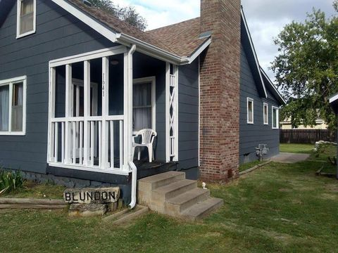 Photo of 1641 N Maple St, Russell, KS 67665