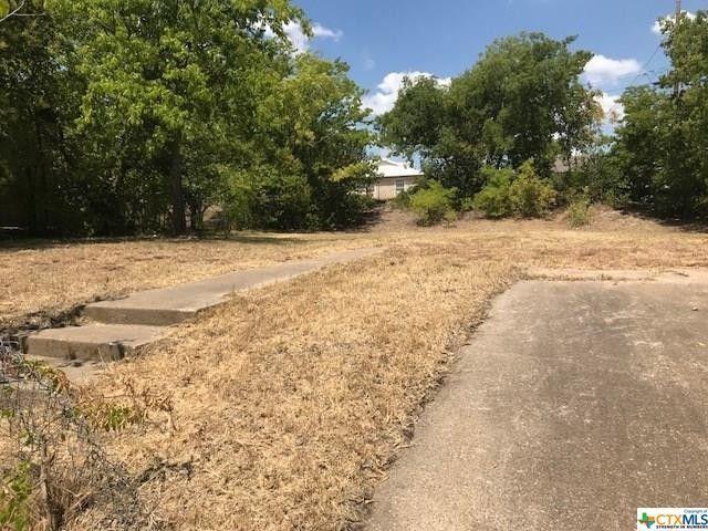 2704 Hillside Dr, Killeen, TX 76543