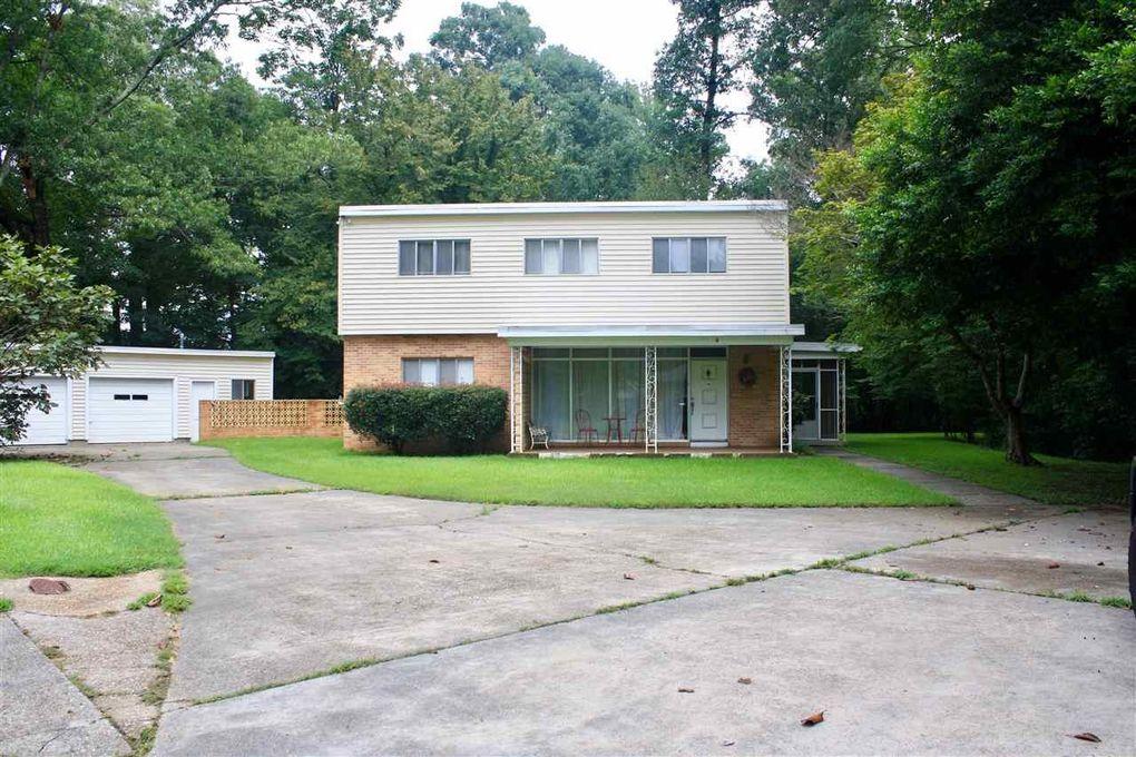 4 Crestwood Dr, Vicksburg, MS 39180